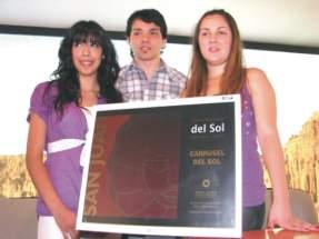 Los ganadores del Concurso Ana Agostina Cortez Cuello, Francisco Nicolás Grabiele Oro y Andrea Victoria Mira Devescovi.