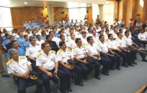 Estuvieron presentes miembros de la Plana Mayor de la Policía, oficiales e integrantes de la fuerza.
