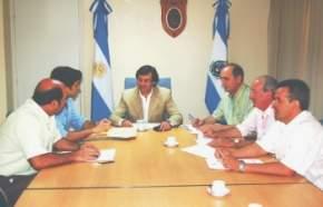 El vicegobernador y presidente nato del cuerpo parlamentario, José Rubén Uñac, reunido con los presidentes de bloques, donde se informó los temas de esta primera sesión extraordinaria