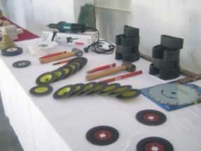 A través del taller se enseñaron técnicas de corte, pulido, etc., para la elaboración de distintos objetos