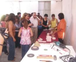 Las autoridades y presentes observaron el trabajo desarrollado durante el curso