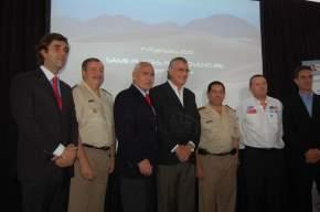 En la presentación Gioja, con Meyer, Lavigne y autoridades de Gendarmería Nacional, ACA y de la organización del Dakar