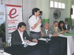 El Intendente municipal de San Martín, Cristian Andino, dirige la palabra