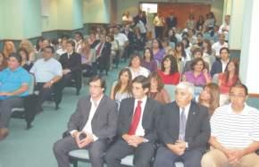 Presentes en el inicio de la ceremonia en la Sala de Vicegobernadores de la Legislatura Provincial