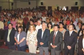 En el Teatro Municipal colmado, estuvieron presentes intendentes municipales, diputados y funcionarios además de los 400 nuevos jubilados