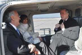 En el helicóptero, para trasladarse al departamento de Chimbas