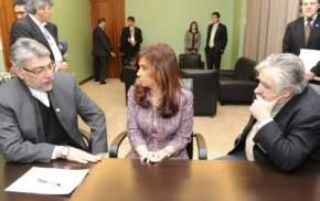 En el marco de la 39ª Cumbre, también mantuvieron una reunión la Presidenta Cristina Fernández con sus pares de Paraguay, Fernando Lugo y de Uruguay, José Mujica