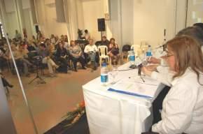 Una vista de los asistentes al foro desarrollado en el Centro Cultural José Amadeo Conte Grand