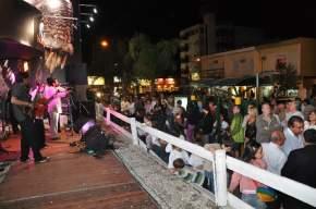 Numeroso público asistió a la inauguración de Titanes de Ischigualasto en Carlos Paz