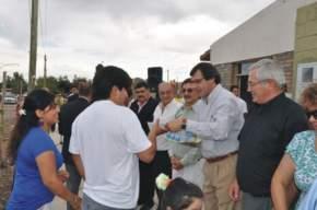 El Vicegobernador Uñac entrega las 12 viviendas construidas por el sistema de cooperativas en Angaco