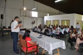 """El intendente Aníbal Fuentes habla ante docentes y alumnos participantes del Proyecto """"Santa Lucía, con Gustito a Salud"""""""