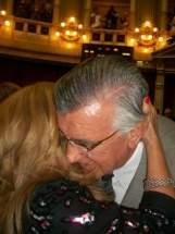 La Senadora Riofrío en un sentido abrazo con el Gobernador Gioja que la saluda con alegría