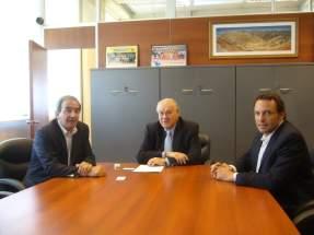 Representantes de Grosso Group y Vale, con el Ministro de Minería, Felipe Saavedra