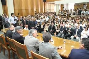 El gobernador Gioja presidió la entrega de designaciones a funcionarios de las áreas de Salud y de Desarrollo Humano y Promoción Social
