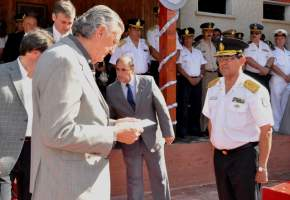 El gobernador Gioja toma juramento al nuevo Secretario de Seguridad y Orden Público, Comisario General ® Miguel Francisco González