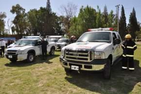 Fue entregada una camioneta Ford F 100, para combatir incendios forestales, y 12 casillas rodantes equipadas para las tareas de control en rutas y zonas rurales