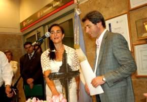 El Dr. Uñac toma juramento a María Laura Yanzón