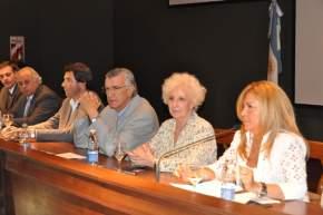 La senadora Riofrío tuvo a su cargo las palabras iniciales ante la visita de Estela de Carlotto