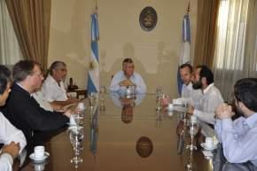 Gerentes y Especialistas de equipamientos médicos de General Electric se reunieron con el Gobernador José Luis Gioja