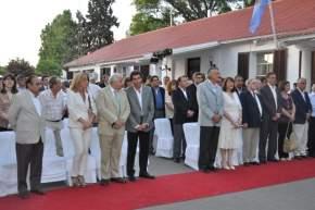 Autoridades en la Misa de Navidad celebrada en los jardines de la Casa de Gobierno