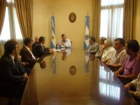 Acto de firma del contrato de fideicomiso entre el Gobierno de la Provincia y el Banco San Juan