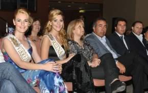 En el Centro de Convenciones las reina y virreina 2012 junto a las autoridades en la presentación de las Candidatas 2013