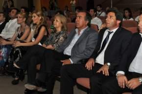 El vicegobernador Sergio Uñac, el ministro de Turismo y Cultura Dante Elizondo, secretarios y directores de Turismo y de Cultura, en la presentación de las 19 candidatas