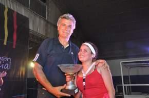 El Intendente Juan Carlos Gioja entregó trofeos a participantes de actividades de Alto Verano Inclusivo 2013