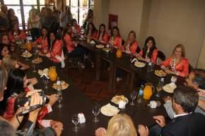 El vicegobernador Sergio Uñac asistió al hotel Aire Andino en la primera jornada de capacitación de las candidatas a reina