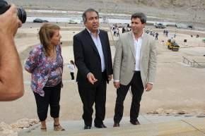 El ministro Elizondo explica sobre la obra al vicegobernador Uñac y la intendente López de Herrera