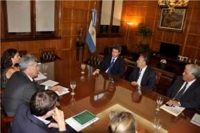 El gobernador Sergio Uñac y su par mendocino Alfredo Cornejo se reunieron con el ministro de Agro-Industria, Ricardo Buryaile