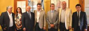 Autoridades presentes en la firma de convenios