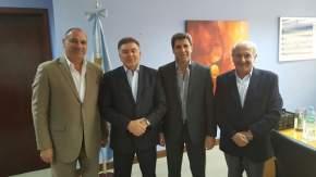 El gobernador Uñac, el ministro de Vivienda de la Nación, Domingo Amaya, y el ministro de Infraestructura sanjuanino Ortiz Andino