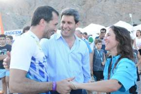 """Uñac y la ministra Grynszpan con el único representante sanjuanino en carrera, el """"Puchi"""" Alberto Ontiveros"""