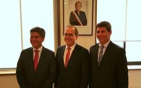 Uñac con funcionarios chilenos avanzó en el llamado a licitación por el Túnel de Agua Negra
