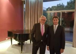 El gobernador Sergio Uñac con el ministro de Interior y Seguridad chileno, Jorge Burgos Varela