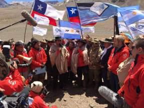 El gobernador Uñac dirige la palabra recordando la Batalla de Chacabuco