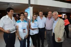 El gobernador Uñac visitó los stand de la Feria en el predio del Parque de Mayo