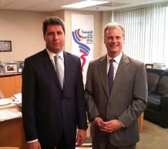 Uñac con el vicepresidente del directorio del Consejo de las Américas, Eric Farnsworth