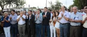El gobernador en Chimbas inauguró obras de pavimentación e iluminación