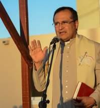 El presbítero José Ortega bendijo el nuevo complejo habitacional