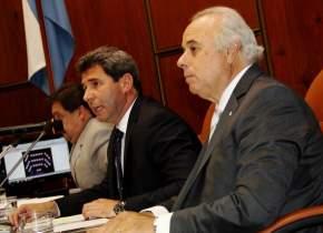 El gobernador Sergio Uñac lee su mensaje anual