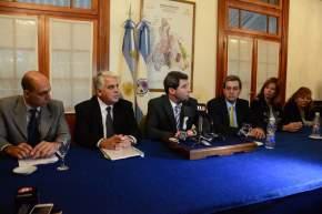 El gobernador Sergio Uñac, junto a integrantes de su gabinete, presentó una nueva edición del Premio Provincial a la Calidad
