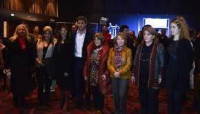 El gobernador Uñac con la ministra de Turismo y Cultura y demás funcionarias y familia de Escudero