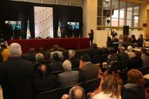 Todas las alternativas de las autoridades en Iglesia fueron seguidas desde las pantallas del Centro Cívico