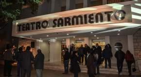 Frente del refaccionado Teatro Sarmiento
