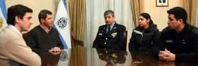 El gobernador Uñac con el ministro Baistrocchi, recibieron al jefe de policía Luis Walter Martínez y los agentes Damián Guerra y Flavia Arraya