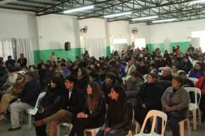 Asistentes al acto de entrega, en San Martín, de 286 Anteojos, 56 DNI y 3 sillas de ruedas