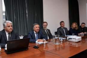 La Comisión de Economías Regionales, Economía Social y MiPyMes, que preside el senador nacional Roberto Basualdo recibió al ministro de Producción Andrés Díaz Cano