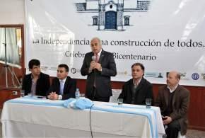 El vicegobernador Lima felicitó a la Comisión del Bicentenario por el trabajo realizado para crear conciencia sobre la importancia de la declaración de la independencia argentina